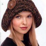 Kahverengi çok şık bir örgü şapka örneği